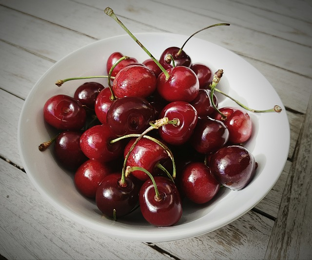 Australian cherry crop sizes up well